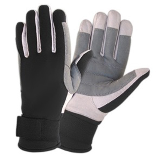 gloves with logo